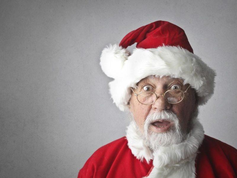 Man in santa claus costume 716658